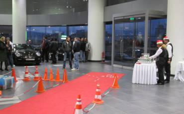 Team Building for the Automotive Company MOTODYNAMICS (Porsche-Yamaha)